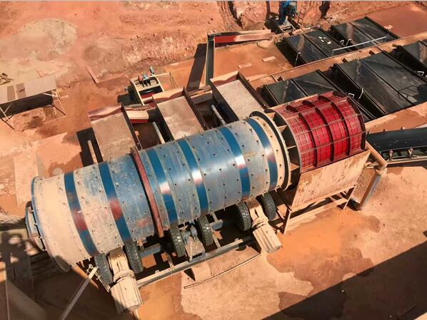 концентрационные стол для работы с барабанным скруббером при добыче золота
