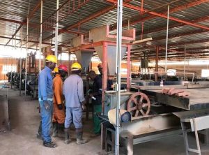 shaking table uses in mineral process plant by our customer