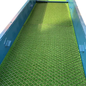 Sluice box with mat for gold recovery